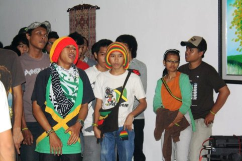 indonesian party goers