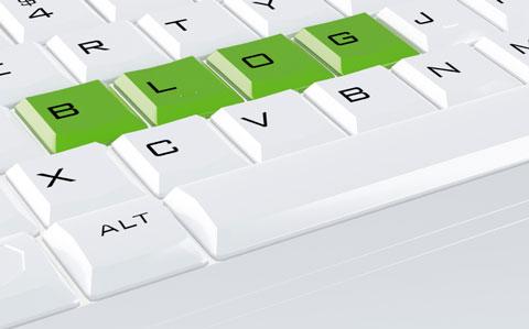 istock 014594623 blog keyboard