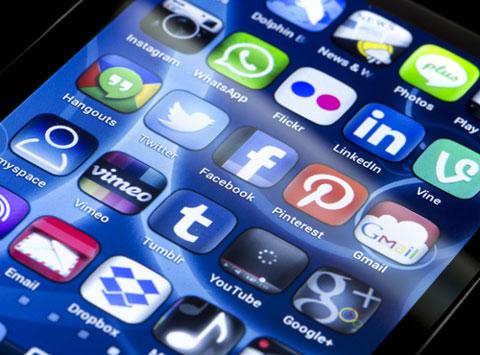 social media logos shutterstock 201609656
