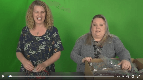 Holly's Facebook Live video gets substantial live viewership in her Aka LuLaRoe group.