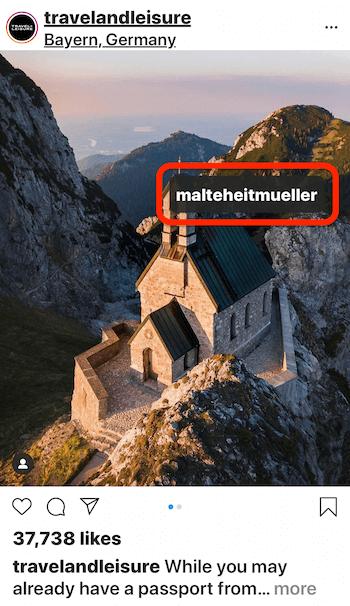 instagram post von @travelandleisure zeigt ein Bild eines Hauses am Rande eines Berges mit Blick auf das Wasser, das @malteheitmueller im Bild markiert